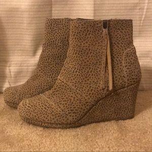 Toms leopard booties/wedges